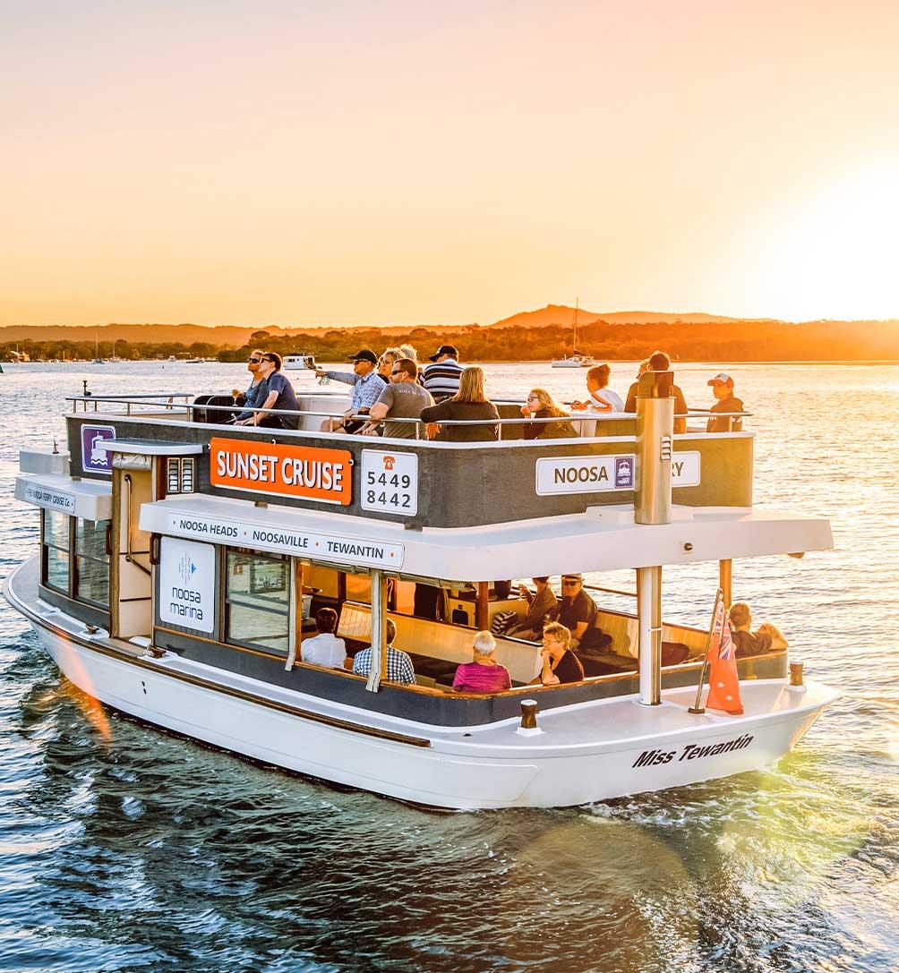 noosa marina sunset cruise