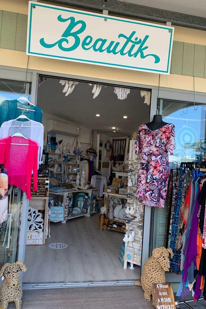 noosa marina beautik store entry 1